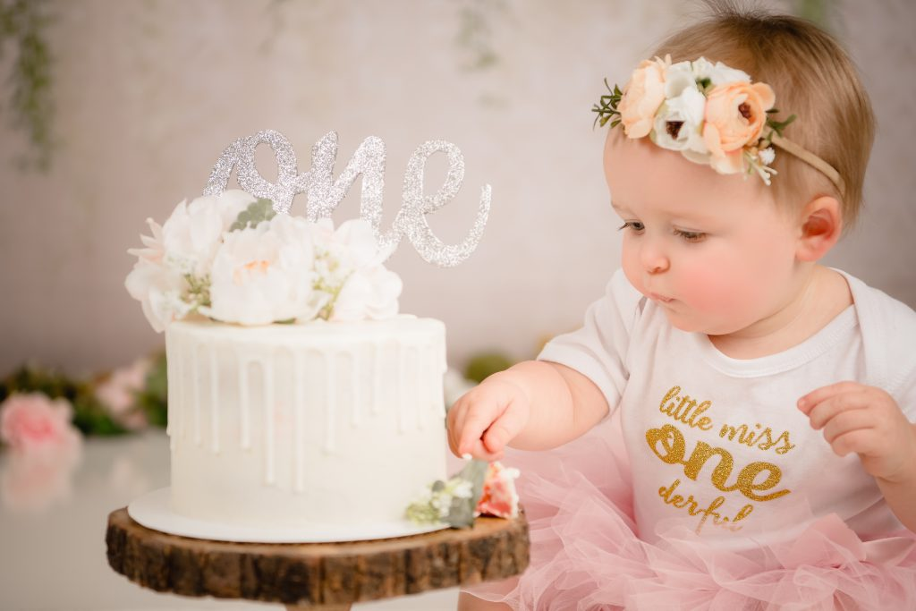 Katie McMann Cake Smash 1003 1024x683 - Cake Smash - 1st Birthday
