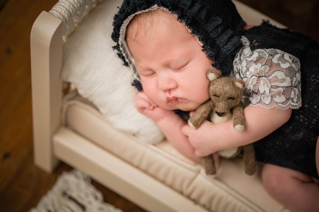 Michelle Leavitt Infant 1016 1024x683 - Newborn Photography
