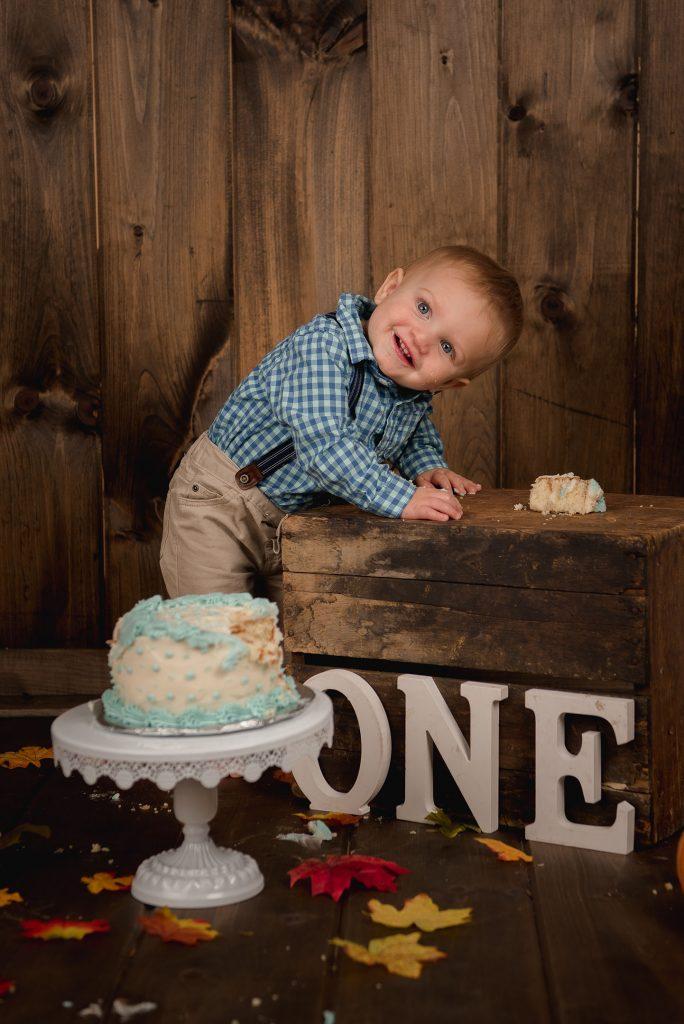 Tobias 1031 684x1024 - Cake Smash - 1st Birthday