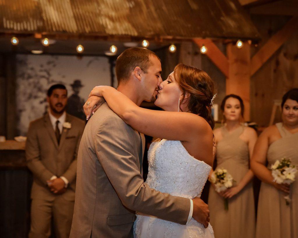 Wedding Photographer 2 1024x819 - Wedding Photography