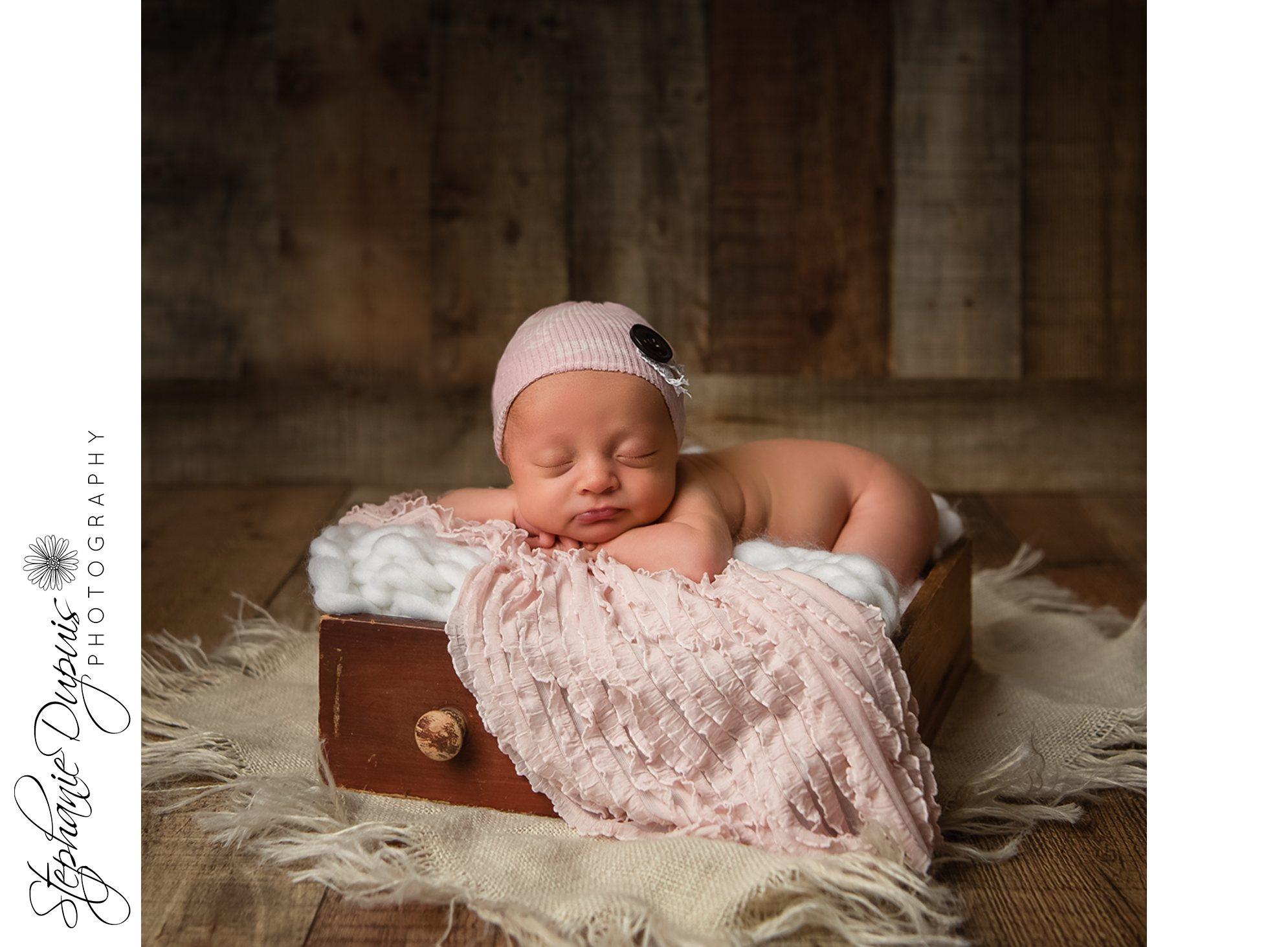 Leavitt 4 - Portfolio: Esme Newborn Session