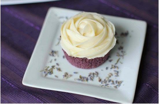 lavendar cupcakes - Wedding Cupcake Flavors by Season
