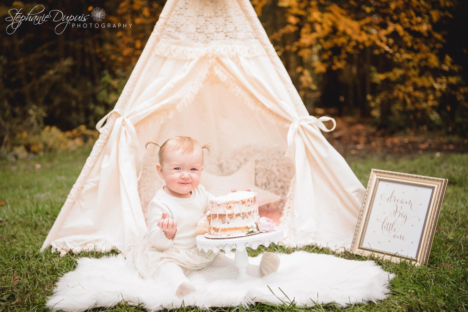 bromley cake smash 12 1536x1026 - Portfolio: Laura Mae Cake Smash