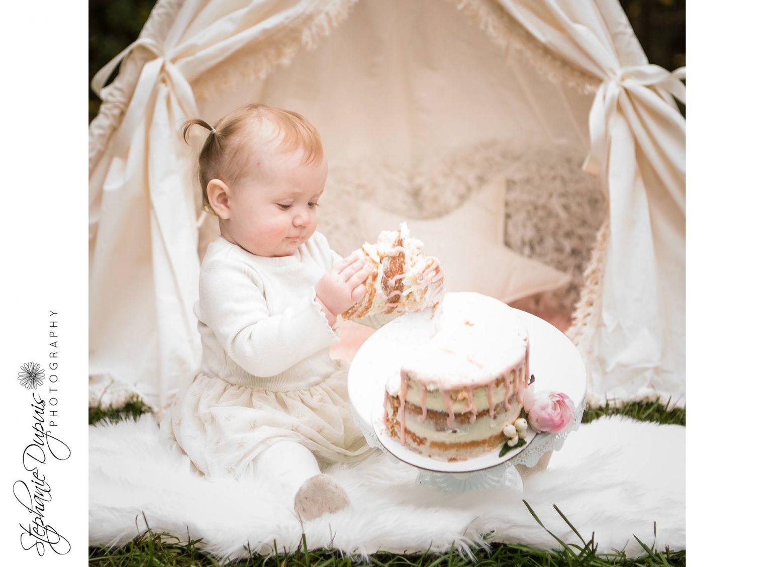 bromley cake smash 8 1536x1128 - Portfolio: Laura Mae Cake Smash