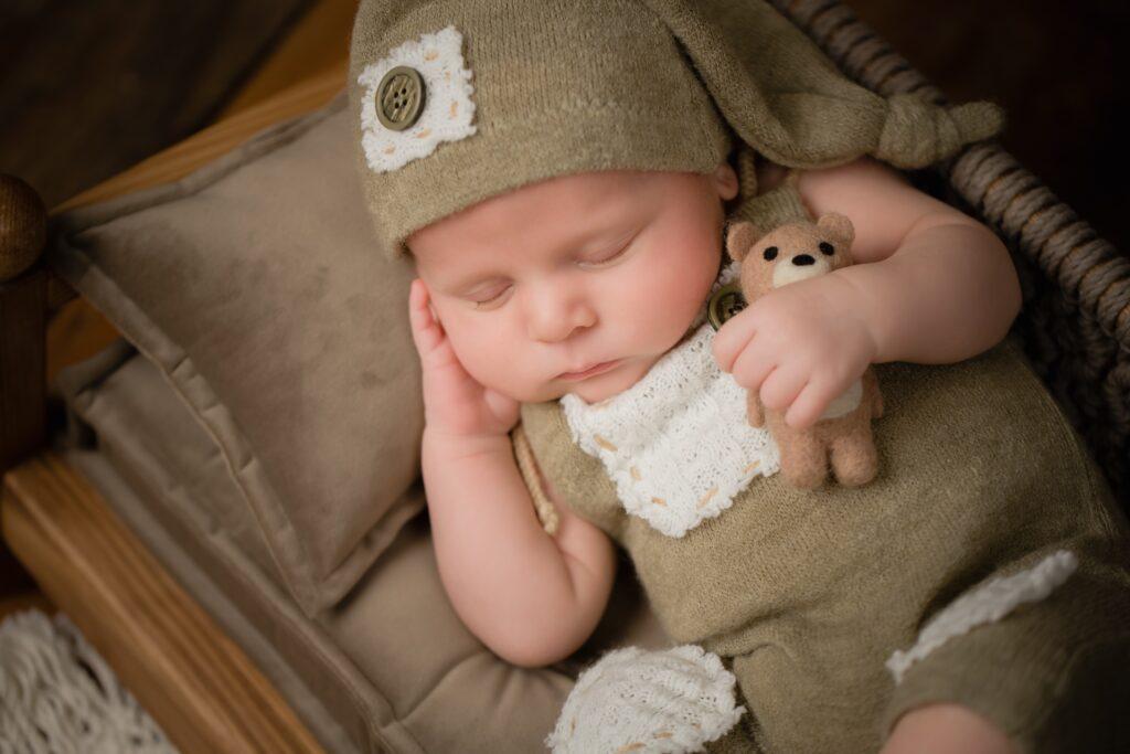 Caylea Bryer Infant 1026 1024x683 - Newborn Photography